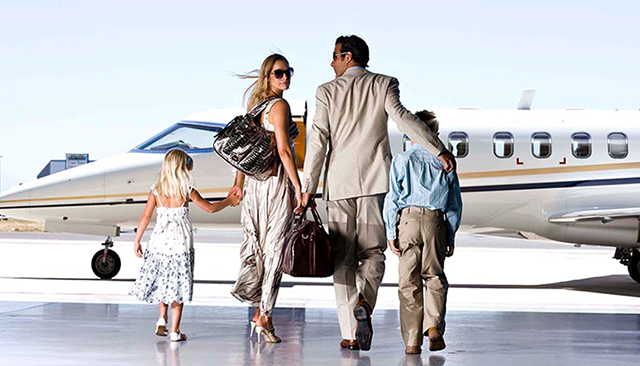 Aircm Global luxury business private jet charter